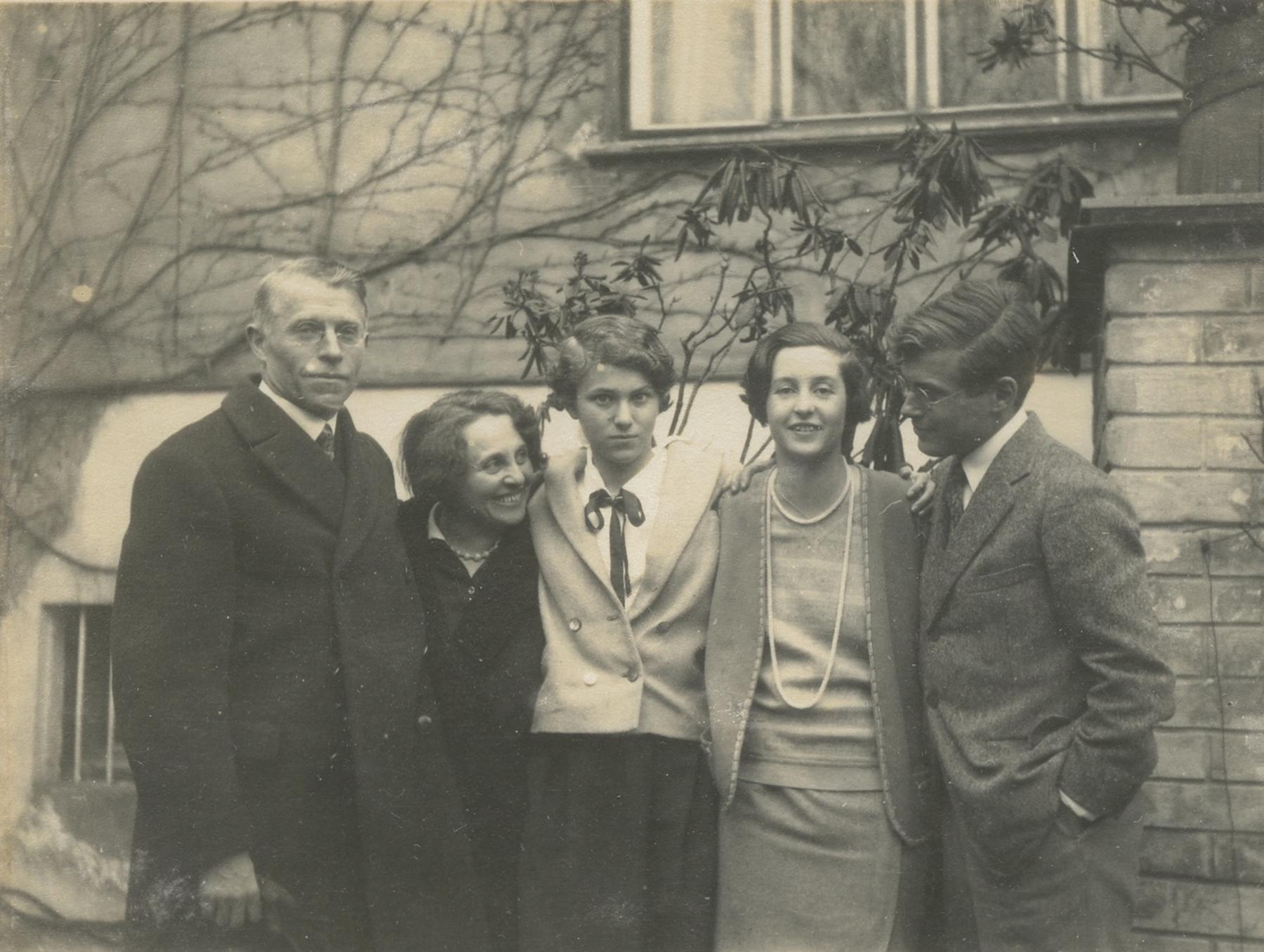The Scheu Family: Gustav, Helene, Elizabeth, more