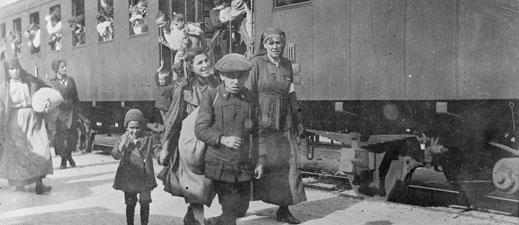 American Red Cross aids Italian civilians caught in the WWI Austrian German advance on the Swiss-Austrian frontier, ca. 1918.